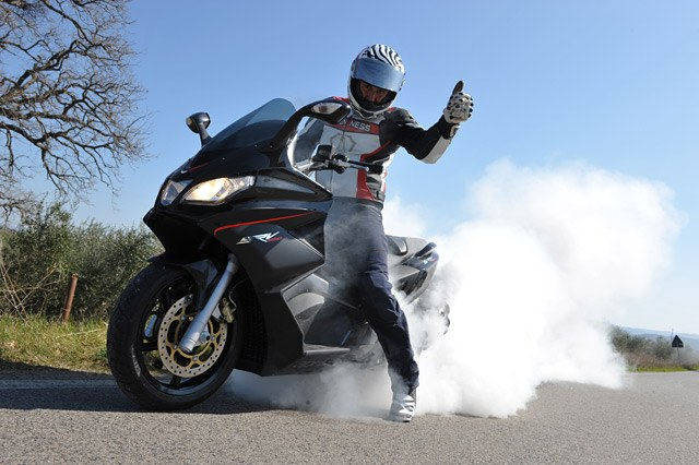 Aprilia SRV 850 Burn Out