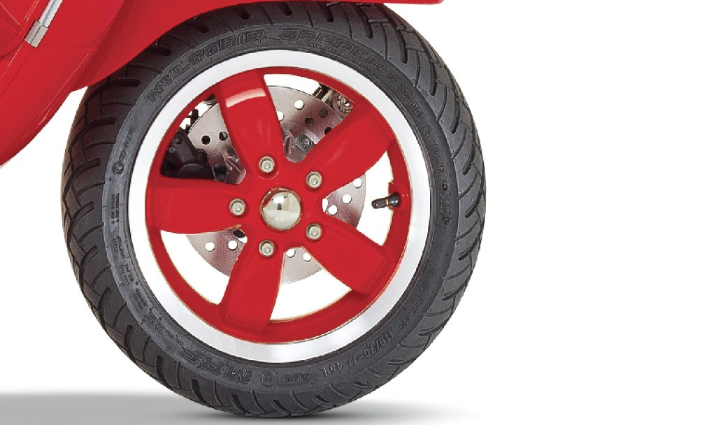 Vespa RED Alloy Wheels