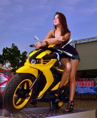 Yamaha Soul GT Scooter Girl